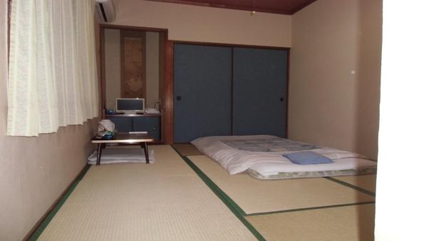 和室(6畳〜8畳)★バス、トイレ共同★