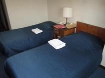 ソファーベッドは、通常ベッドとの違いは、高さだけです。タテも横も硬さも一緒です。