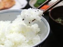 直接農家に作付をお願いしています。ホテル独自の「はえぬき」米をご賞味ください。