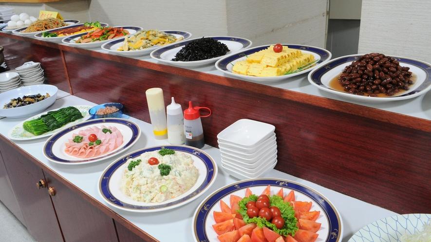 【朝食バイキング】一日のはじまりはおいしい朝食から♪ ※当面の間、和定食でのご案内となります