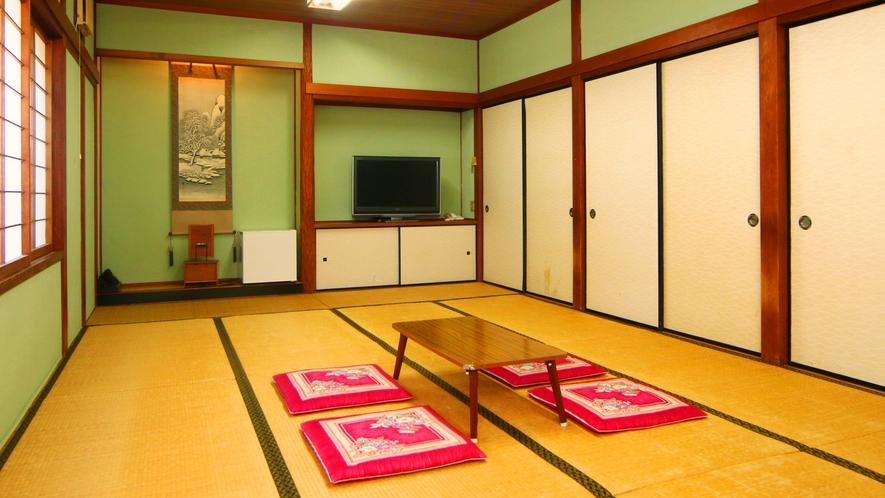 【客室】きくの間。広めの12畳間です。