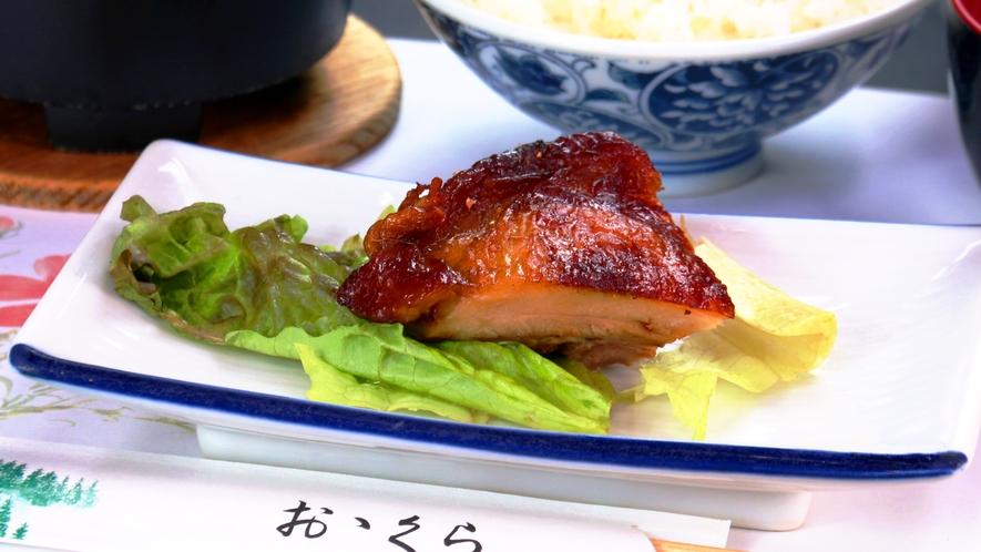 朝食の一例。チキンの照り焼き。