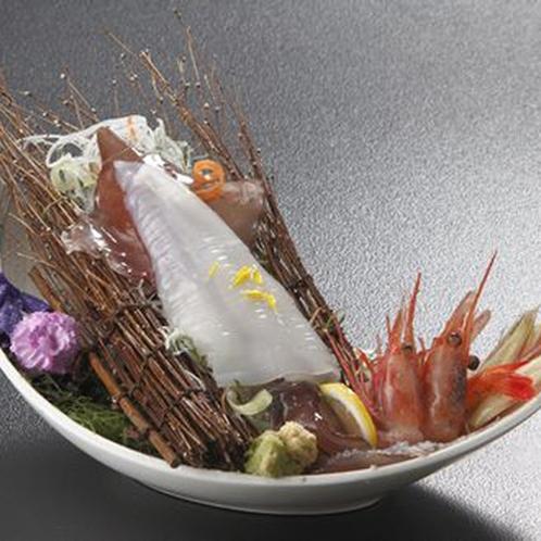 当館一品料理ランキング№1!!「白イカ一杯盛」