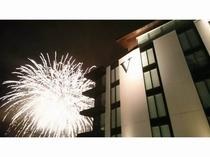 夏のザ・ヴェールニセコ-目の前に広がる花火をお部屋で鑑賞しませんか♪