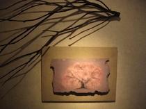 木彫レリーフ「咲く」