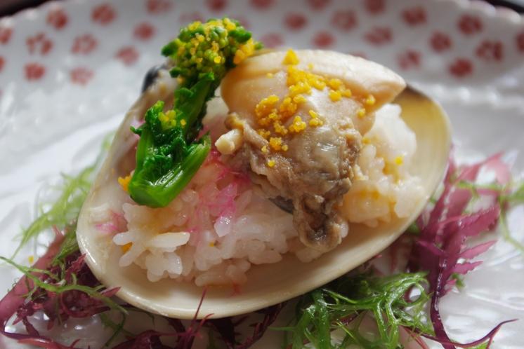 久美浜湾でとれた天然蛤寿司