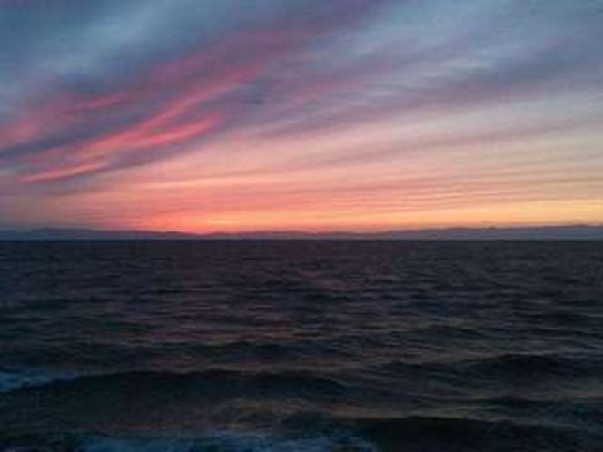 夕焼けあとの野間海岸