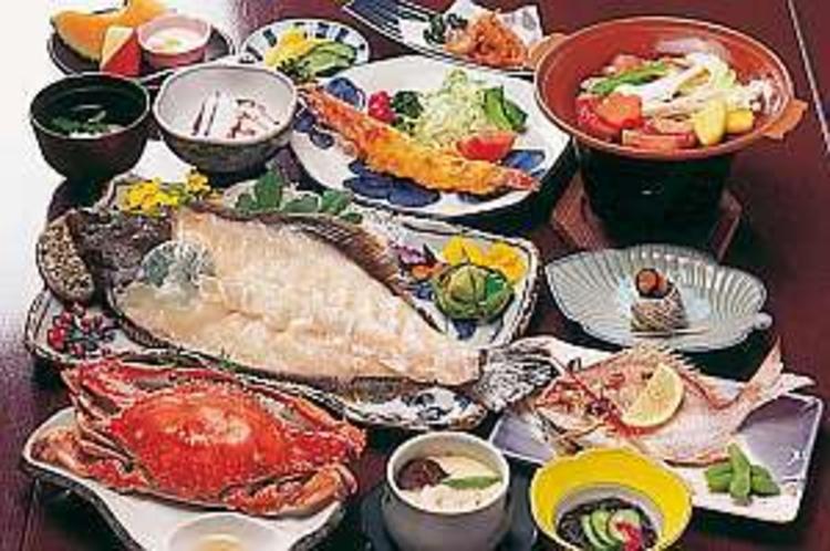 平目のお造り付きのお得な「旬彩膳」