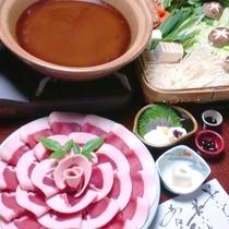 【ぼたん鍋一例】秋~冬のお楽しみ♪こだわりのお鍋をどうぞ!