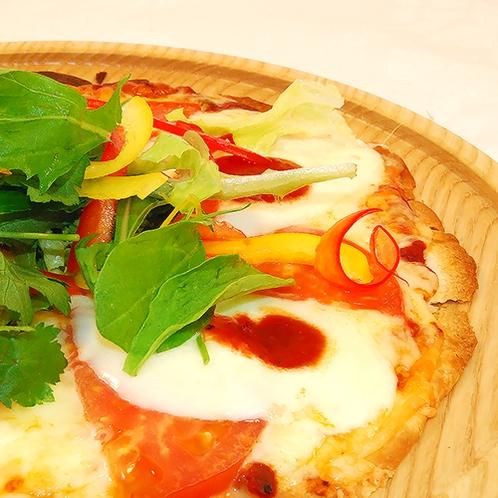 【別館ホテルプラザアネックス横手】7FCOSMOS(コスモス)「いぶりがっこのピザ」