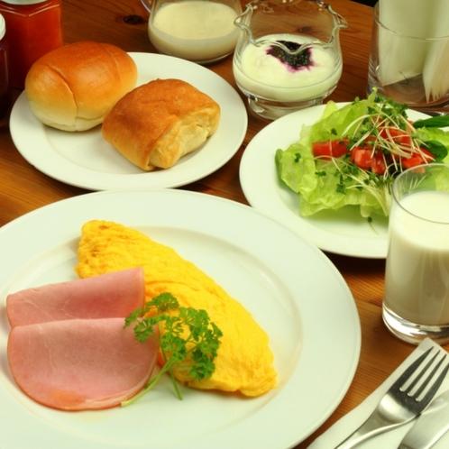 高原野菜や手作りジャムの朝食
