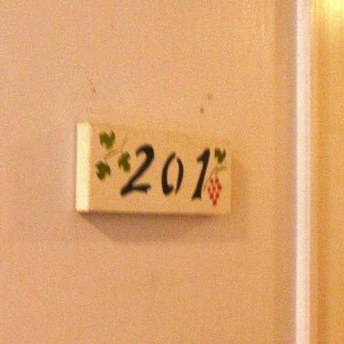 大人なシックなロフトタイプ4ベッドルーム(客室201)ルームプレート