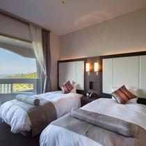 【スーペリア和洋室】ベッドが2台と和室6畳のお部屋♪シックな色合いで落ち着いた雰囲気です。