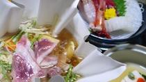 *【夕食】当館名物「倭かも鍋」をはじめ、奈良らしい郷土料理を交えながら、全約10品の会席料理。