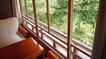 *【本館離れ】数寄屋+旅籠造りの風情があり、すぐ傍には川の流れているお部屋です。(大浴場は別館)