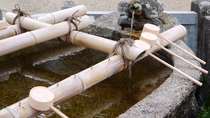 *【奈良・長谷寺の手水場】拝む前に手と口をお清めください。