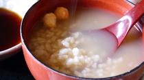 *【和朝食】ほうじ茶香る奈良名物の茶粥や、奈良漬をお出し致します。