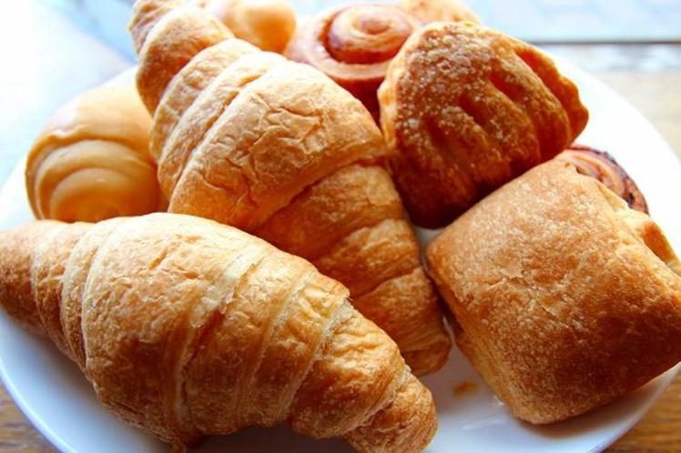朝食 パン!
