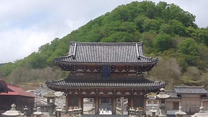 【恐山菩提寺】当館より車で30分!三大霊場の一つに数えられる有名な観光パワースポットです。