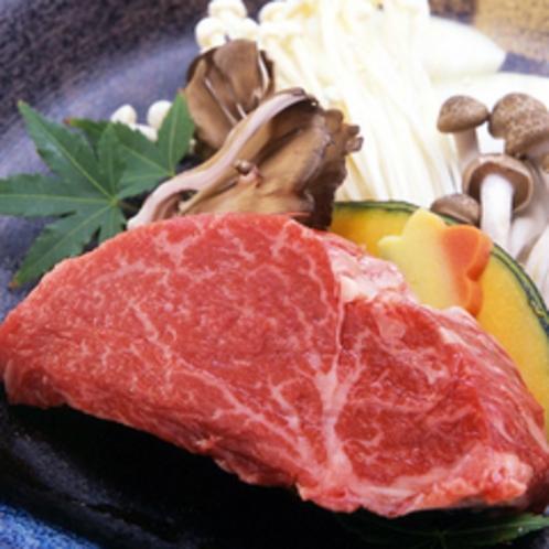 【一品料理※要予約】国産牛フィレステーキの陶板焼¥3,960