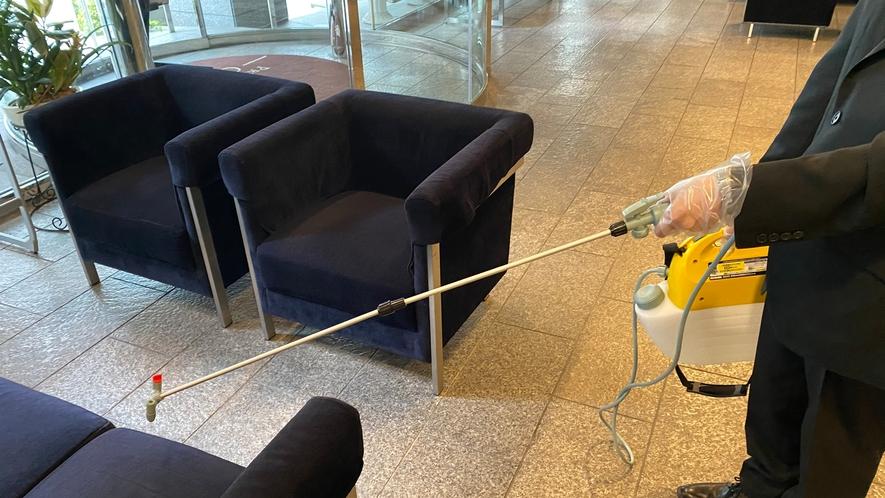 館内清掃及び消毒の強化をしております。