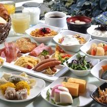 40品目近い和洋様々なお料理とお飲物が、お客様の1日の活力をサポートいたします。