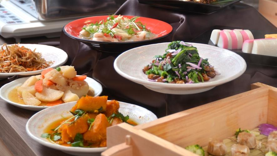 優しい味わいの和食の惣菜は日替わりで3種類ご用意しております。