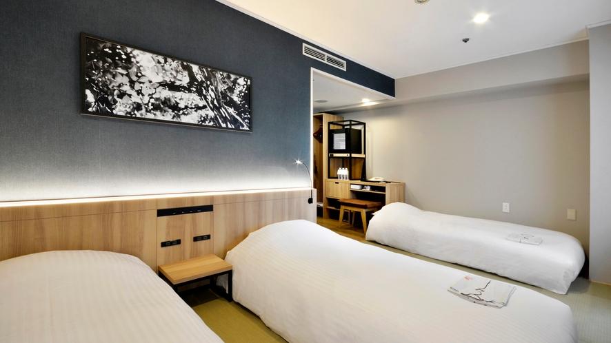【和モダンルーム】大人3名様でのご宿泊時はソファーベットをご用意致します。