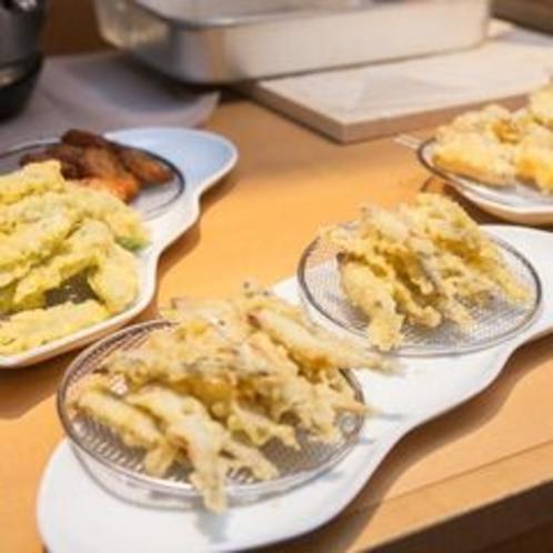 夕食 ハーフビュッフェ 揚げたて天ぷら