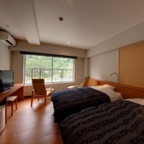 客室 山側(セミダブル×2ベッド)
