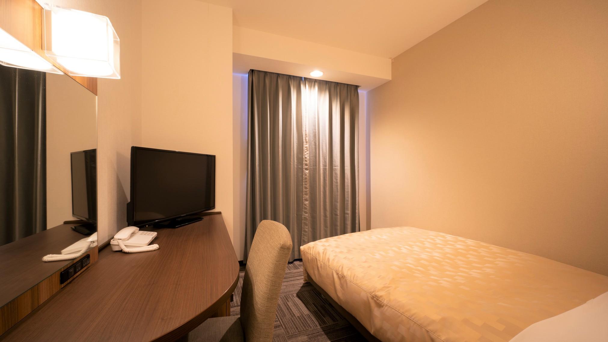 ベッドには静かな寝心地のポケットコイルマットレスを採用致しております。シングル 禁煙【夜】