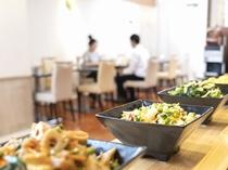 朝食風景 ご朝食は1Fブルームで朝7:00~10:00まで元気に営業しております。