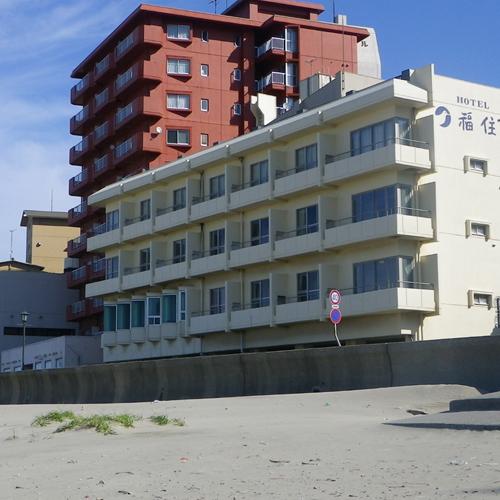 *ホテル外観 海岸側