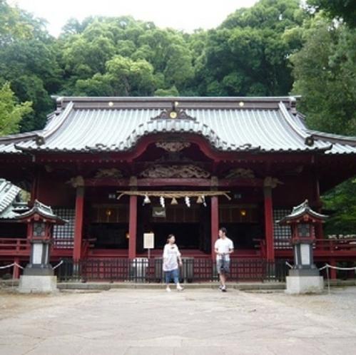 【秋】 カップルでお出かけください。縁結びで名高い伊豆山神社までは車で約5分