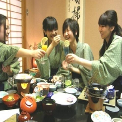 女子会大好き♪森の城を楽しんだ後は楽しい仲間とわいわい美味しく乾杯!