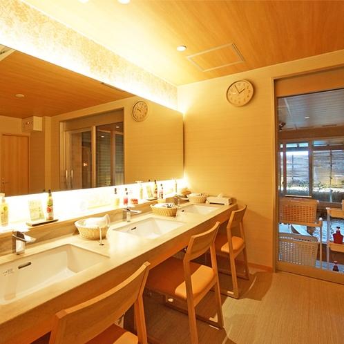 【女性大浴場】更衣室もリニューアル★和モダンで使いやすい空間に。