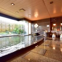 男性大浴場 湯量が豊富な男性大浴場。なみなみたっぷりの熱海温泉をご満喫ください