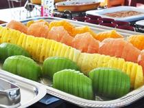 【朝食バイキング】ビタミンは一日の活力の源!フルーツをお忘れなく。