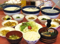手作り料理が自慢の朝食バイキング(現在中止)