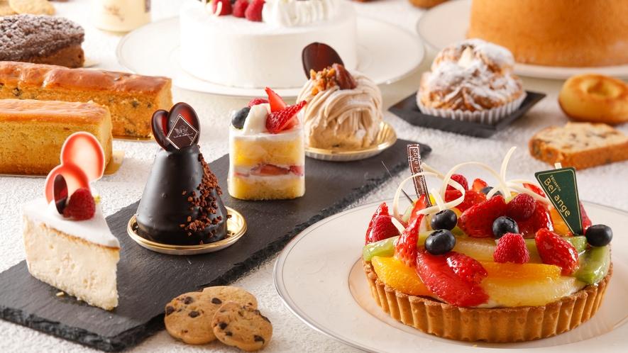 ホテルメイドのケーキや焼菓子を豊富にご用意しております。