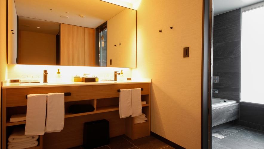 【桜凛閣】プレミアスイート和洋室 洗面スペース