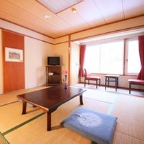 *【部屋一例】本館東側和室