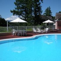 【屋外プール】お子様サイズのファミリープール♪宿泊者の方は無料です♪
