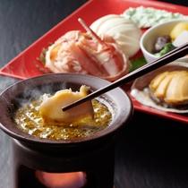 【特選プレミアム会席】前菜には鮑のお料理も♪龍リゾートオリジナルソースでお召し上がりください。