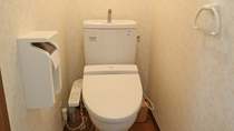 *レモンバーム/お手洗い付きのお部屋で快適にお過ごしいただけます。