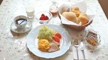*朝食一例/連泊のときはメニューを変えてご用意いたします。