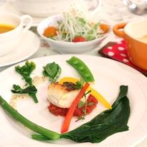 *夕食メニュー一例/真鯛のソテー