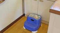 *共用洗面台/清潔を心掛け、お子様でも使いやすいよう工夫をしております。