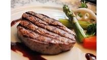 *【グレードアップ夕食】とろける旨みが特徴的な栃木和牛ステーキをご堪能♪