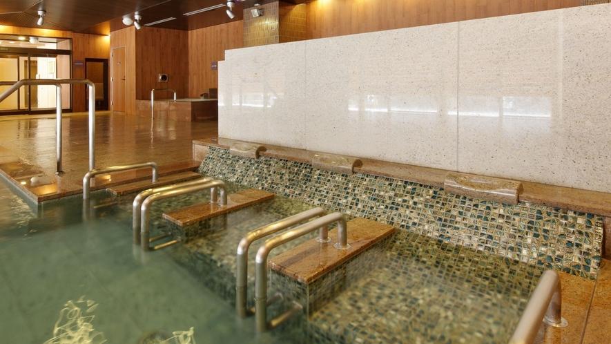 八番館大浴場 滝の湯